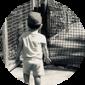 Icono niño blanco y negro